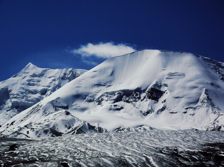 阿尼玛卿山攀登、探险旅游